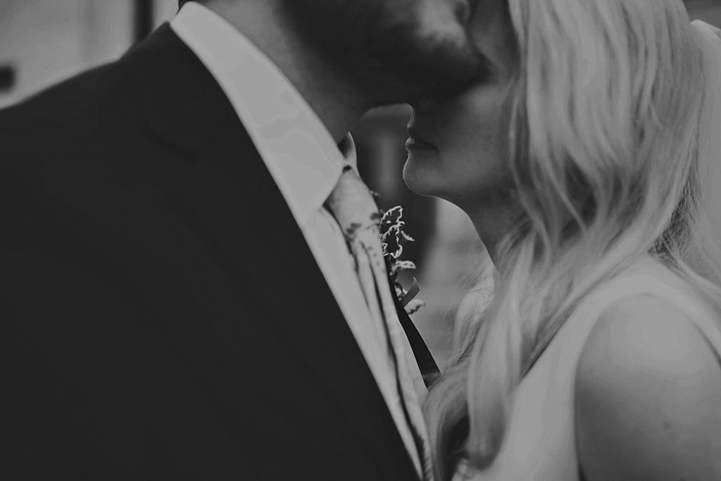 Intimate Wedding Photography | Stoke Newington Town Hall Wedding | Lisa Jane Photography