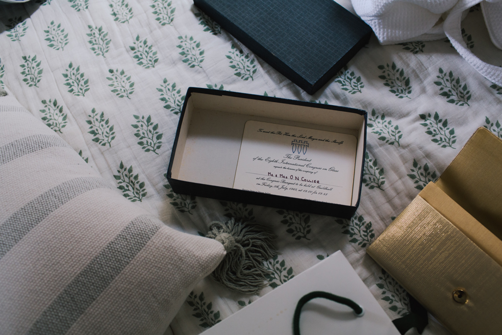 Brides family heirloom clutch bag | Lisa Jane Photography | Modern London Wedding Photography