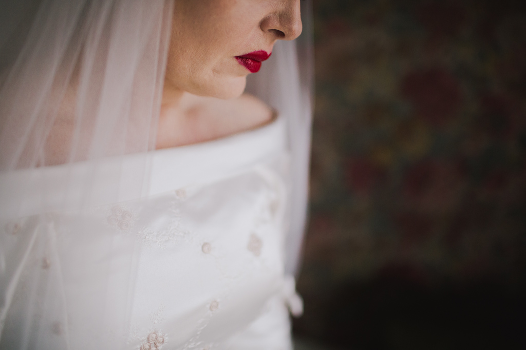 Bride with red lipstick | Lisa Jane Photography | Alternative London Wedding Photography