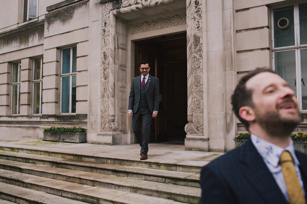 first look outside Wandsworth Town Hall | Lisa Jane Photography