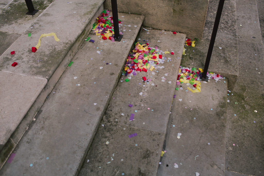 Confetti outside Wandsworth Town Hall | Lisa Jane Photography