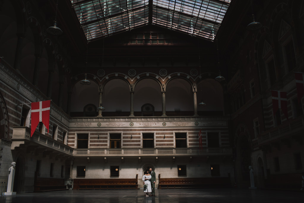 Copenhagen Town Hall Elopement | Elopement wedding photography