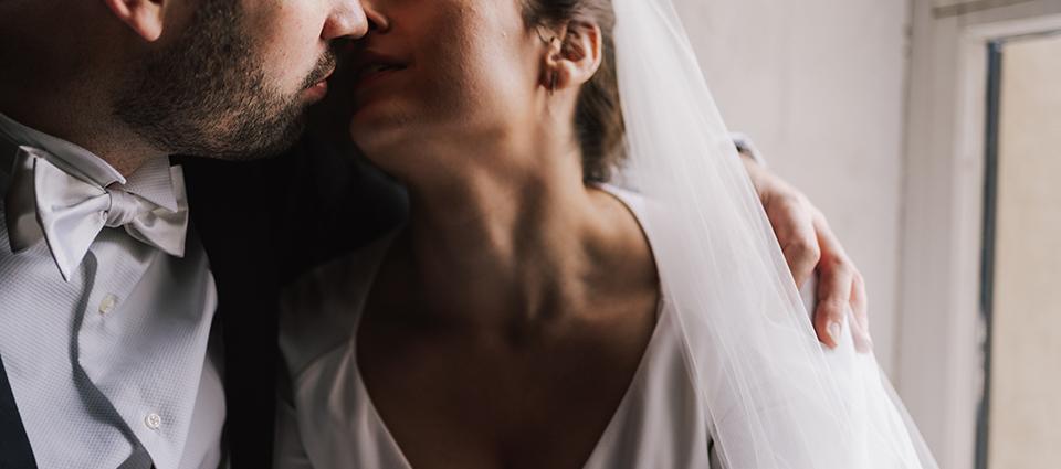 Trinity Buoy Wharf Wedding by Lisa Jane Photography