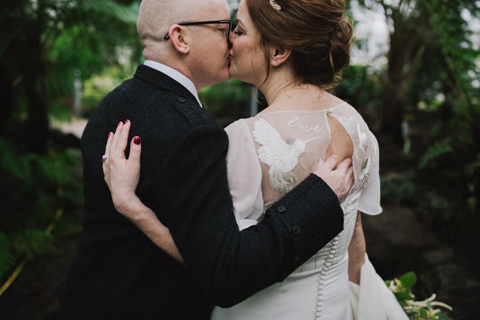 Modern Wedding portraits at a Glasgow Botanic Gardens Wedding