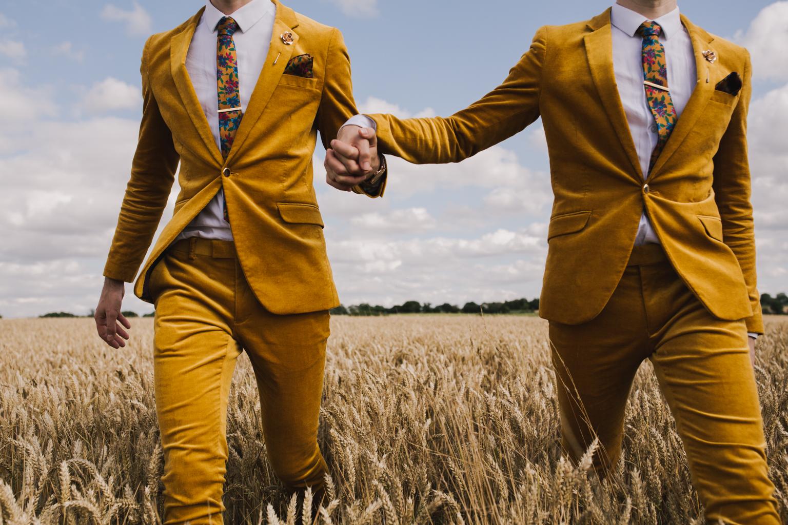 Best Alternative Wedding Photo | Lodge Farm Barn Wedding | Lisa Jane  Photography