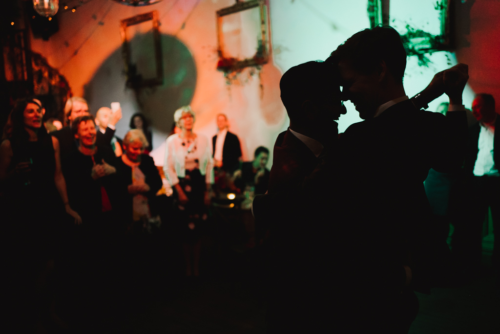 First dance at Clapton Country Club | Modern Wedding Photography by Lisa Jane Photography